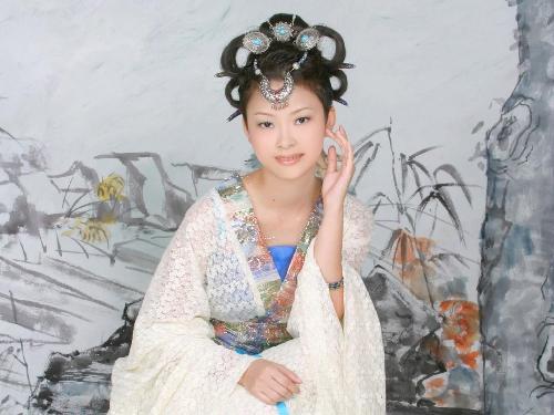 清新优雅古装美女壁纸[多图]