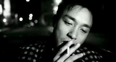 [抖音张国荣抽烟的音乐是什么歌]抖音张国荣抽烟的音乐是什么